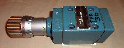 Bosch 0 811 149 003 Flow Control Hydraulic Valve Pressure Controller 0811149003