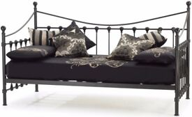 Black Metal - Day Bed
