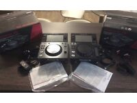 2 X Pioneer XDJ-700 Multiplayer (FANTASTIC CONDITION)