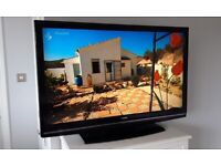 "42"" HITACHI FULL HD 1080p TV BUILT IN FREEVIEW CHANNELS REMOTE CONTROL & STAND WITH FREE DELIVERY."