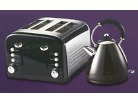 NEW COLLECTION GLOSSY PYRAMID KETTLE AND GLOSSY STAINLESS STEEL 4 SLICE TOASTER £30 ONLY
