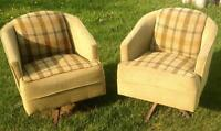 Sheho, sk. Pull-out couch & 2 matching arm chairs