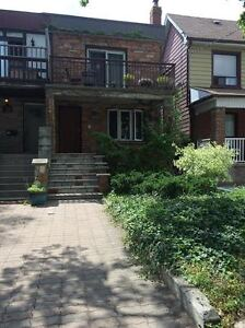 Chester and Danforth - 2 bdrm apt in house