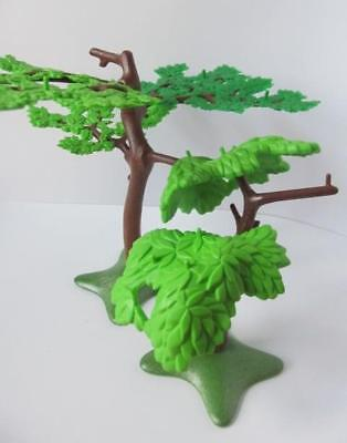 Playmobil 2 leafy trees on green bases NEW Zoo/farm/countryside scenery