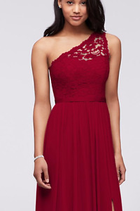 LONG ONE-SHOULDER LACE BRIDESMAID DRESS