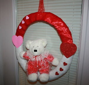 18in Custom made Valentine Wreath $10.00