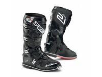 NEW TCX PRO 2.1 Off road Motocross Enduro Motorcycle Boots CE Armour Size 8 / 42