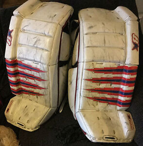Goalie Pads (+ other equipment) for Atom / Peewee