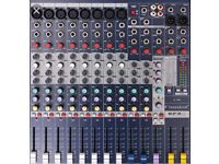 Soundcraft EFX8 mixer immaculate condition
