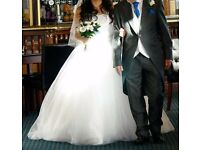 La prima white wedding dress size 12. Princess style