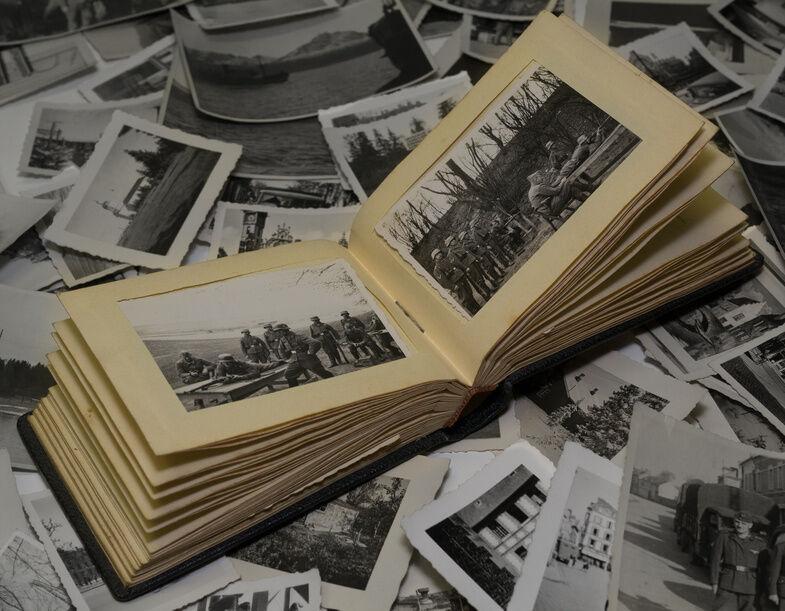 Militaria-Flugzeug-Fotos und - Postkarten mit großem Sammlerwert im Überblick