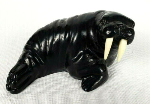 Pearlite Stonecraft Carved Walrus Fait A La Main Au Canada Handcrafted 4 inches