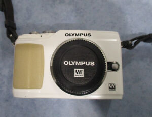 """Olympus EPL-2 """"Body Only"""" white in Mint Condition"""