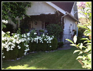 **FULLY FURNISHED, EXECUTIVE 3 BEDRM HERITAGE home (Abbotsford)