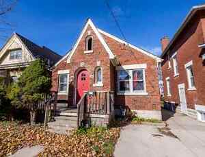 Downtown Western House For Rent Steps away to Frog's