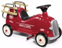 RADIO FLYER LITTLE RED FIRE ENGINE TRUCK RIDE ON TOY LIKE NEW