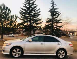 LOW-LOW-KMS 2010 TOYOTA CAMRY SE*BACKUP-CAM*NAVIGATION*LEATHER*F