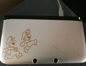 3DS XL. Super Mario edition.