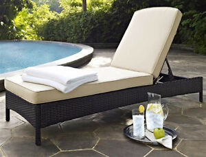 Chaise lounge outdoor kijiji free classifieds in for Outdoor furniture kijiji
