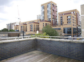 Spacious 1 bed flat with a study and 2 balconies to let, Dalston Junction, 3rd floor, newly refurb