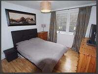 Spacious bedroom available to rent. flat is just off union street