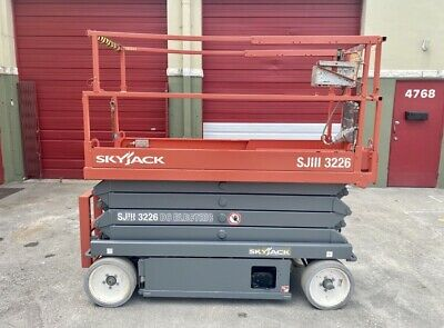 2013 Skyjack Sjiii 3226 - 26 Ft. Electric Scissor Lift - Aerial Platform