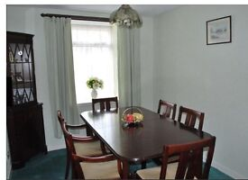 Extending dining room table, 6 chairs, plus matching corner unit