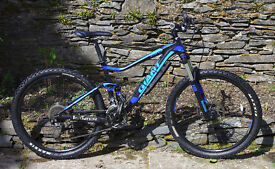 """Giant Stance Mountain Bike, Medium, 27.5"""" wheels, VGC. Bicycle, biking. Can deliver."""