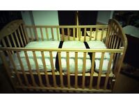 Mamas and Papas Cotbed - with mattress