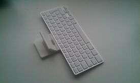 Genuine Official Apple iPad Qwerty Keyboard & Dock for 1, 2 & 3MC533Y/A