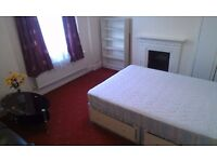 LOVELY DOUBLE ROOM FIR COUPLES WITH BILLS INCL IN TOOTING BROADWAY MINS TO STATION