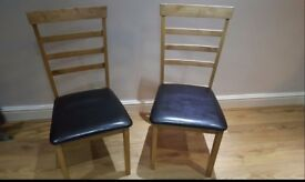 2 x oak chunky dining chairs