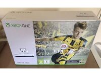 (Boxed & Sealed) Xbox One S 500GB Fifa 17 + Forza Horizon 3 + Gears of war 4 + Halo 5