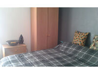 LOVELY ONE BED ROOM AVAILABLE TO RENT, QUIET HOUSE, PROFESSIONALS, ALL BILLS INCLUDED WITH FAST WIFI