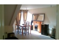 Double bedroom in a quiet and clean 100m2 flat....All bills included *ideal for Couples*