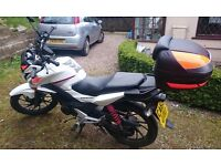 Honda CB125F, Latest (GLR) model, incl. USB, official Honda box and Oxford Heated Grips! Low mileage