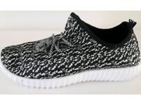 Men's women's unisex size 9 trainers casual jogging few other sizes still available