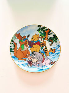 WINNIE THE POOH COLLECTIBLE PLATE