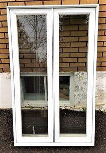 Fenêtre à battant 38''1/4 x 63'' de haut à vendre