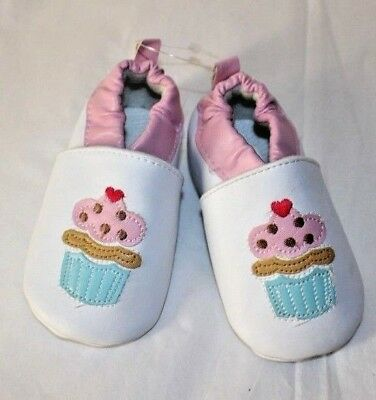 LUVABLE FRIENDS Crib Shoes Girls 6-12 Months White Faux Leather Cupcake Design
