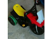 Electric child's bike/ride on