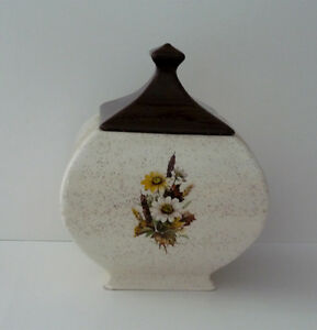 square fat Cookie / Trinket / Candy Jar . In excellent condition