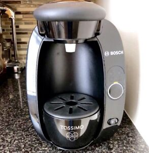 Bosch Tassimo T20 Coffee Maker/Home Brewing System + Free Pods!