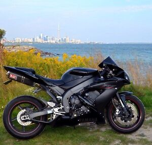Yamaha R1 - Excellent condition