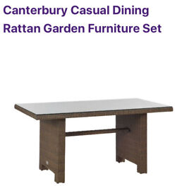 Hartman Canterbury garden table glassed topped