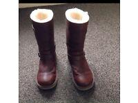 Ugg Australia womens sutter boots size 5.5