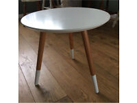 Modern white Side/Lamp/Coffee Table. Contrast wooden legs.