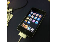 Ipod Touch 2G - Boxed with headphones