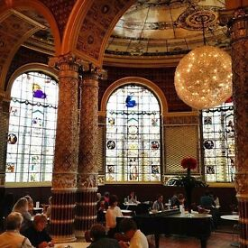 Team Members/Commis Chef needed for Victoria & Albert Museum Cafe