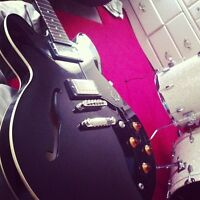 Black Epiphone Dot Semi-Hollow Body W/ Hardshell Case